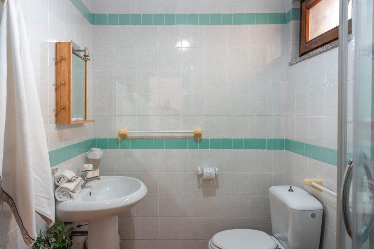 Bilo bathroom 1
