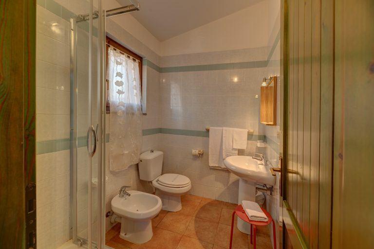 Pavoncelle_B4_Bathroom 1